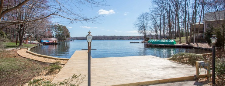 Waterfront property at Lake of the woods