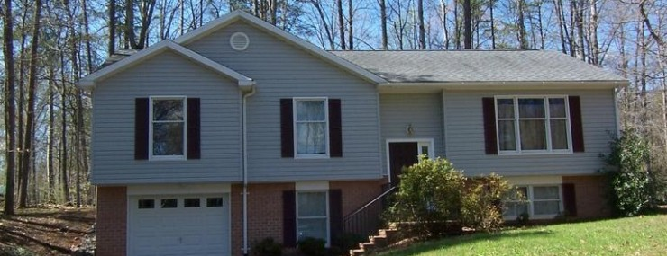 106 Cavalier Ct Lake of the Woods VA enjoy the park